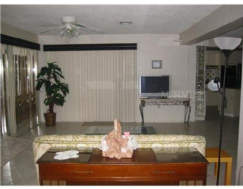 Copyright © Sun City Living Realty Of Florida, Inc. 2010.